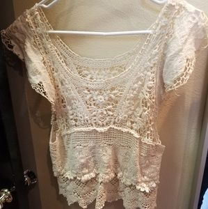 Tops - Lace crochet boho top